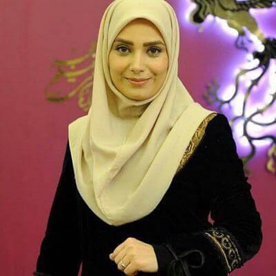ابراز عشق خانم مجری به همسر خواننده اش! +عکس