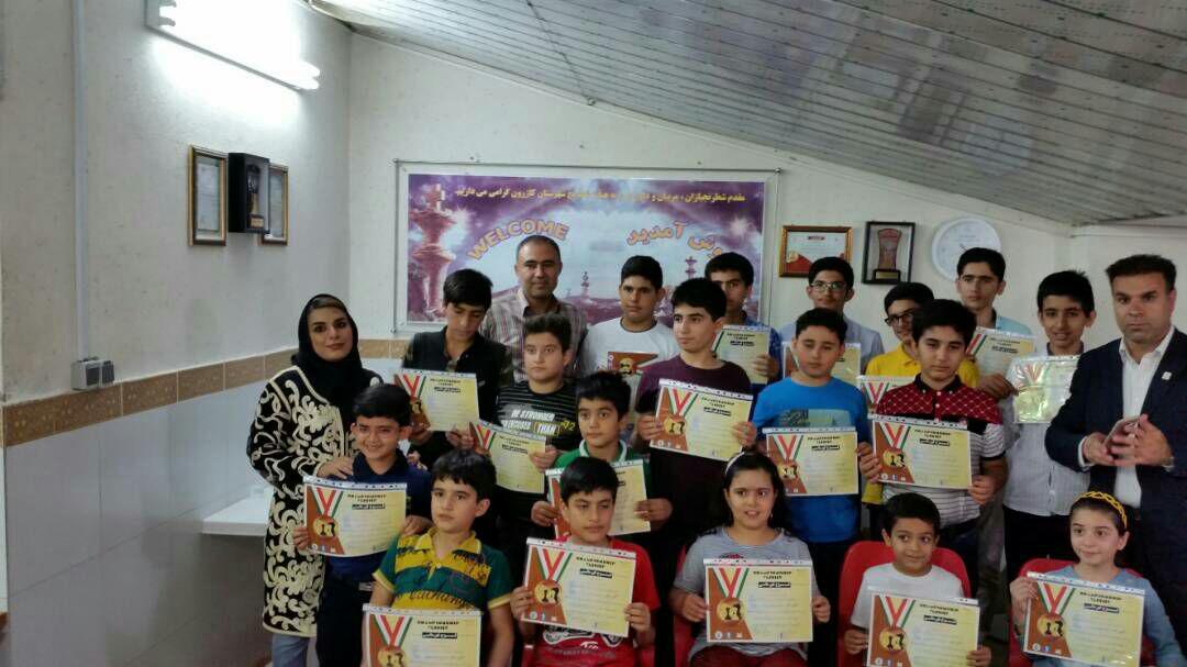 برگزاری باشکوه مسابقات شطرنج جام ستارگان به میزبانی هیات شطرنج کازرون