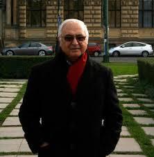 دانلود پاورپوینت (اسلاید) زندگینامه و آثار مهندس کامران دیبا