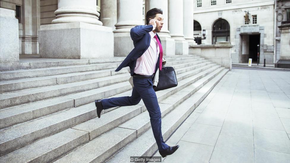 چرا بعضی اشخاص در بیشتر کارهای خود تاخیر دارند و دیر سر قرارها حاضر می شوند؟
