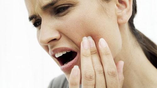 ۷ راهکار مهم برای تسکین دندان درد