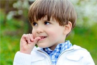 ناخون جویدن مداوم کودکان,درمان ناخون جویدن کودکان