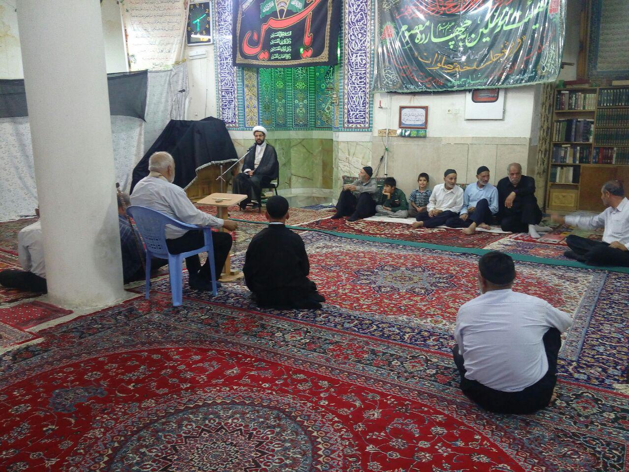 حضور امام جمعه محترم شهر قهدریجان در مسجد فاطمیه همراه با عزاداران شهادت امام جواد (ع)