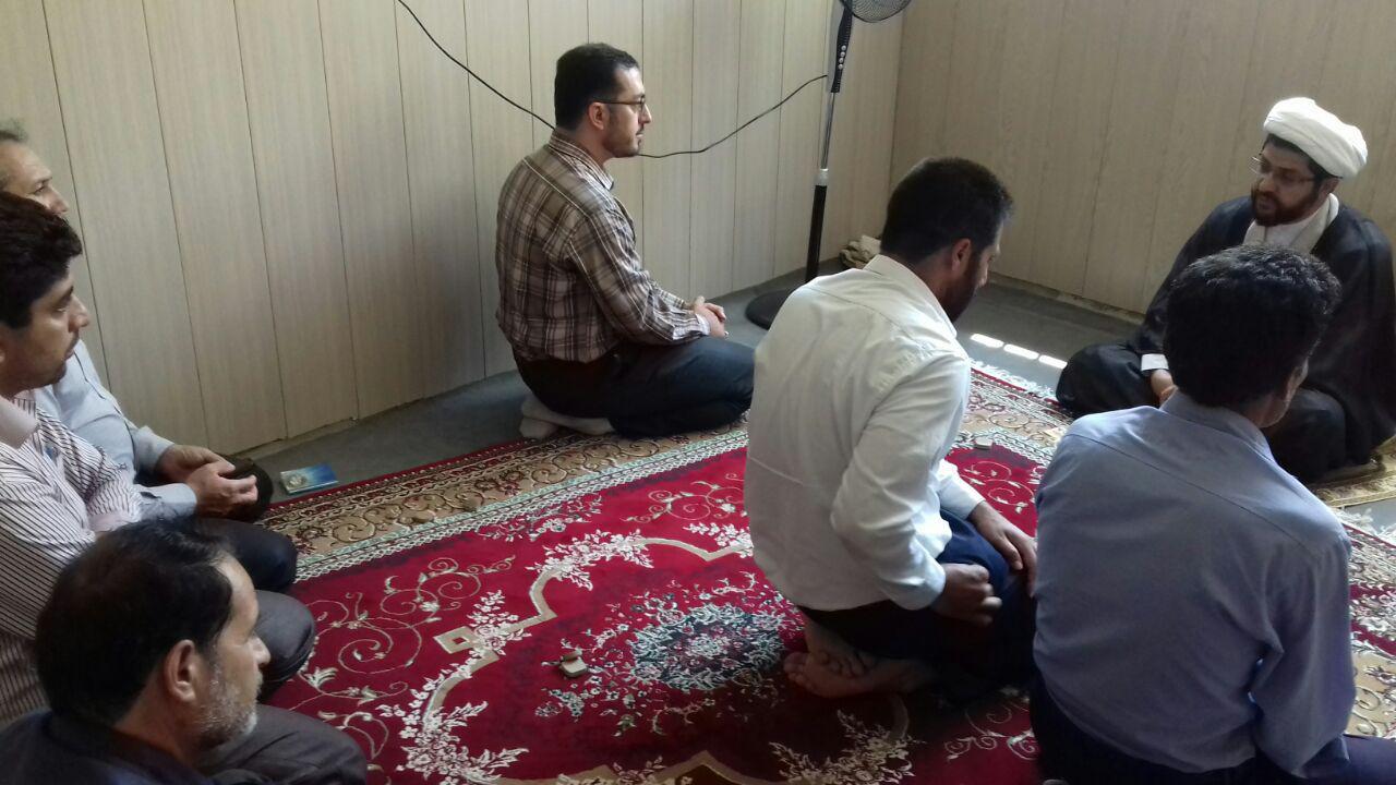 جلسه با رئیس اداره فرهنگ و ارشاد اسلامی شهرستان- اقامه نماز جماعت ظهر وعصروسخنرانی