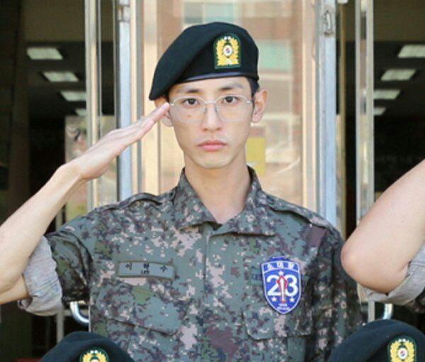 توضیحات YG Entertainment درمورد سربازی رفتن #LeeSooHyuk در سکوت خبری. 🍀