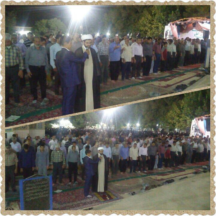 اقامه نماز جماعت در سید محمد قهدریجان توسط امام جمعه محترم شهر در شب عیدغدیر