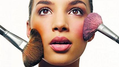 بهترين رنگ رژگونه براي پوست شما