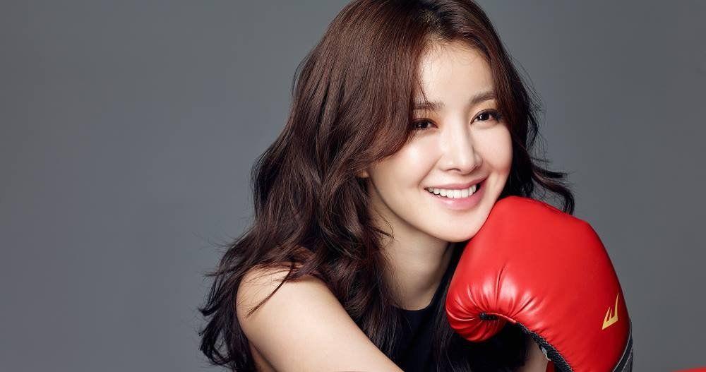 لی شی یانگ در آخر این ماه ازدواج میکند ❤️🍃