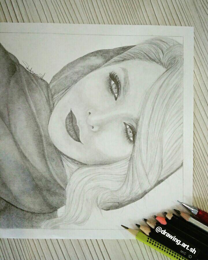 طراحی چهره با مداد