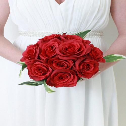 گالری عکس مدل های جدید دسته گل عروس با رز قرمز و سفید صورتی
