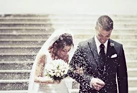 با همکارم ازدواج کنم یا نه؟
