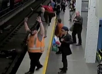 اقدام عجیب یک مسافر، جان ۶ نفر را به خطر انداخت + فیلم