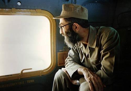 تصاویر کمتر دیده شده ازحضور رهبر انقلاب در جبهههای حق علیه باطل