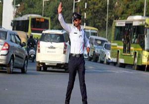 راننده سرویس مدرسه، مامور راهنمایی و رانندگی را زیر گرفت