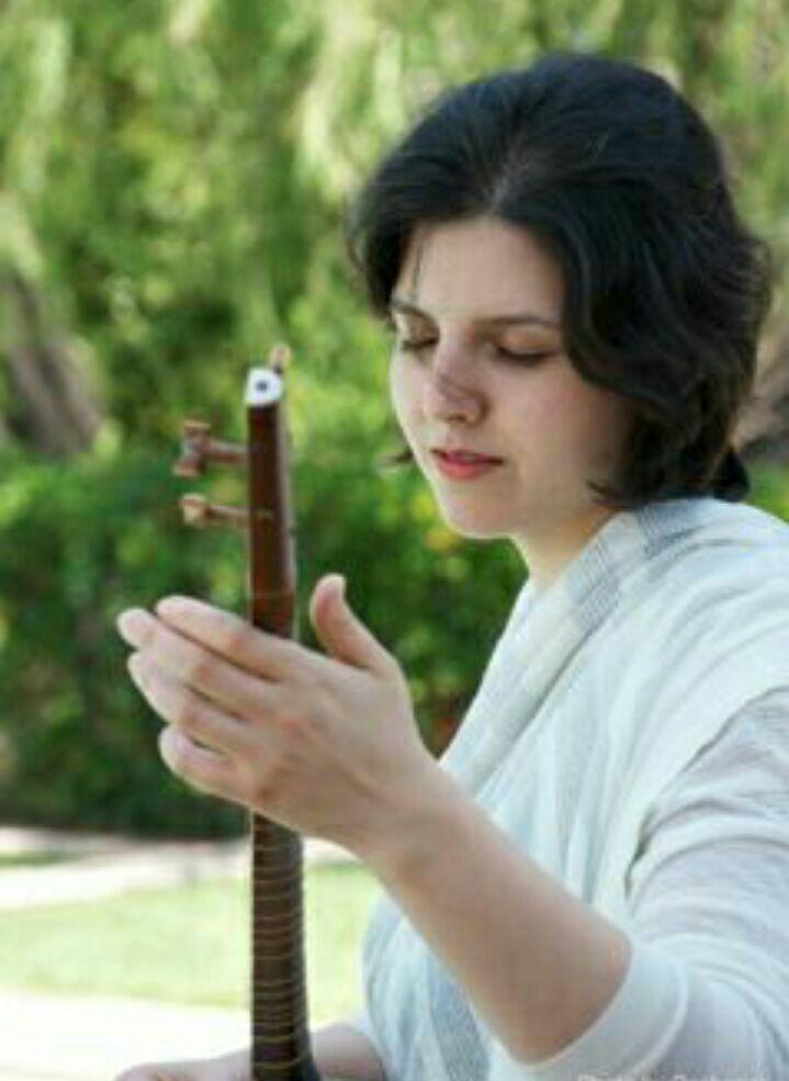 آهنگ عشق گل از سپیده رئیس سادات