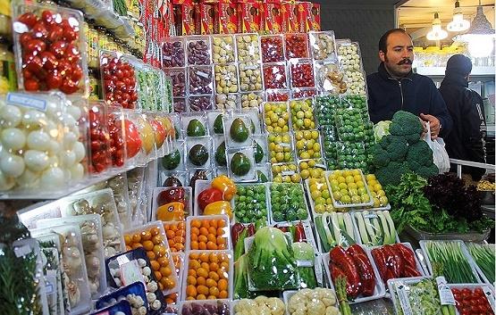 کیسه گشاد دلالها در بازار میوه/محصولاتی که به چهار برابر قیمت فروخته می شوند