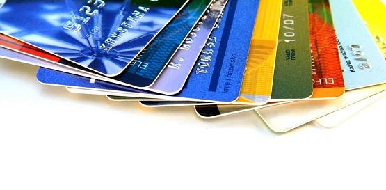 ضرورت ساماندهی کارت های بانکی احساس میشود/هزینه های سنگینی که بی جهت هرز می رود