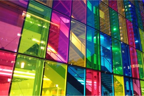فیلم شیشه های رنگی