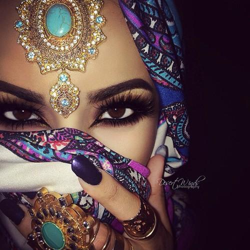 مدلهای آرایش چشم عربی2018