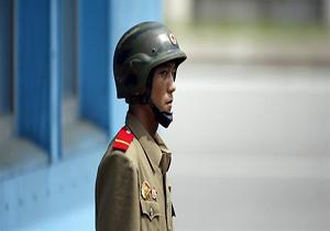 لحظه فرار نفس گیر سرباز کره شمالی به کره جنوبی + فیلم