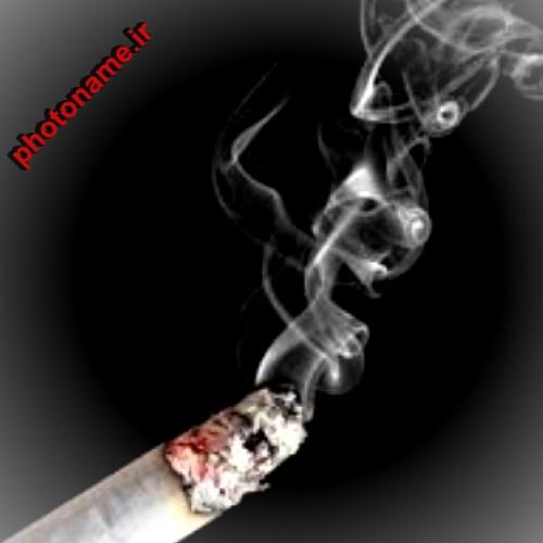 پسر سیگاری سیاه و سفید