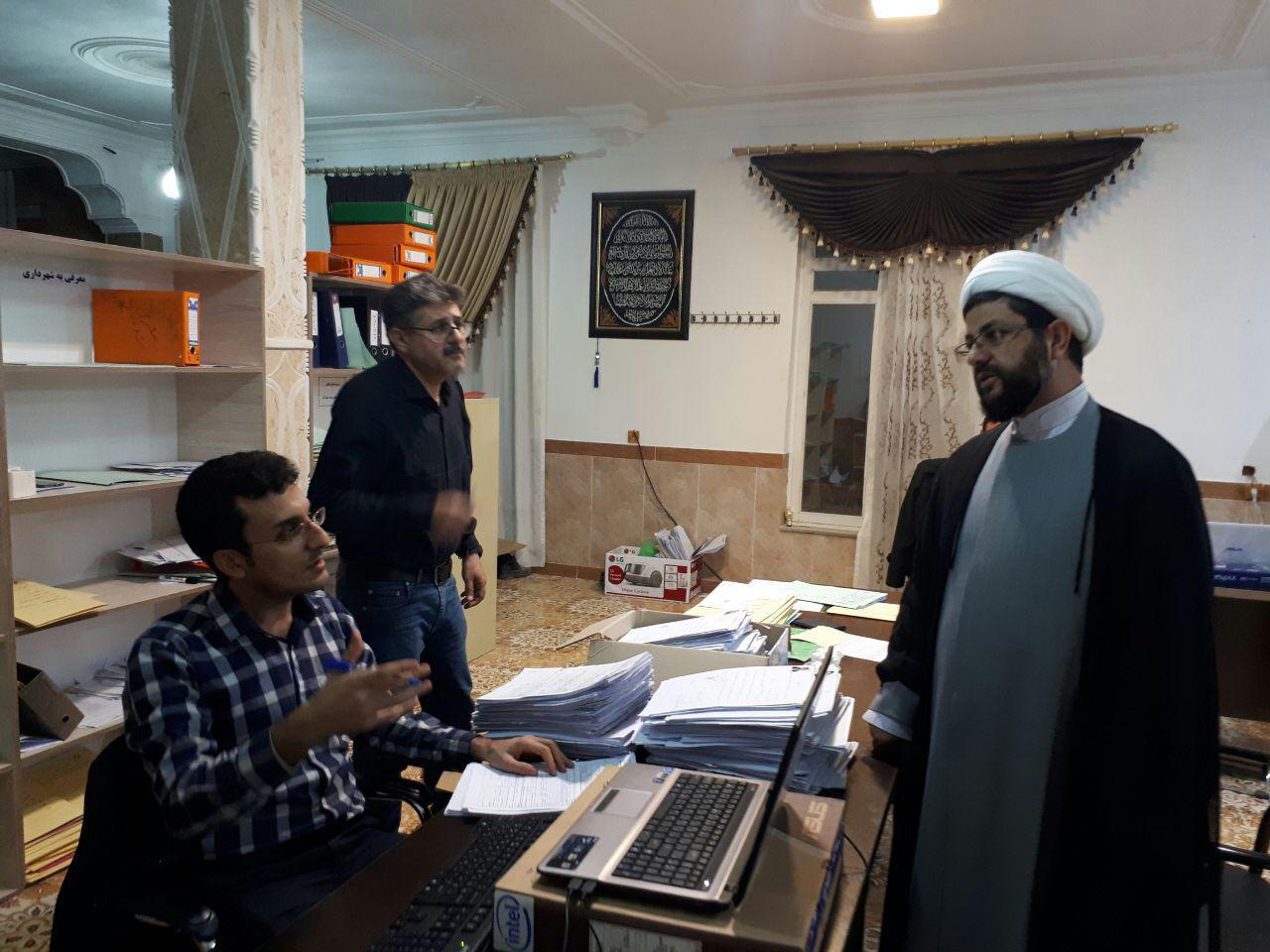 دیدارحجه السلام هاشمی امام جمعه محترم شهر قهدریجان از روند رسیدگی به پرونده خانواده های شهدا