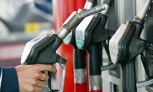 چرا بنزین را وارد میکنیم و بنزین را گران میکنیم؟