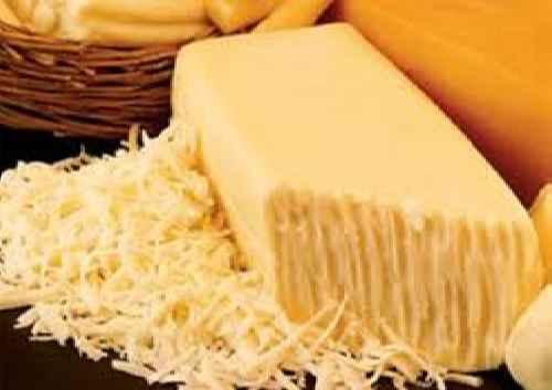 بررسی خصوصیت پس دادن روغن در انواع پنیر پیتزا و پروسس