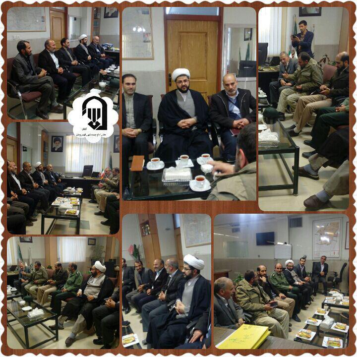 جلسه ای با حضور امام جمعه محترم شهر قهدریجان و سردار باقرزاده و شهردار