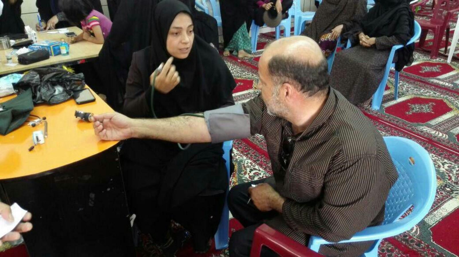 مردم روستای پاقلات در انجام تست قند و فشار خون پیشتاز هستند