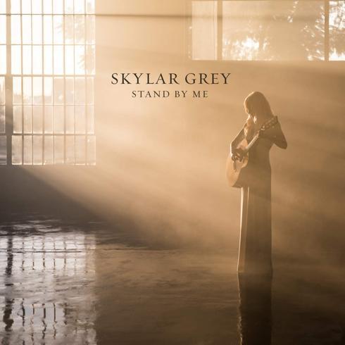 متن و ترجمه آهنگ Stand By Me از Skylar Grey