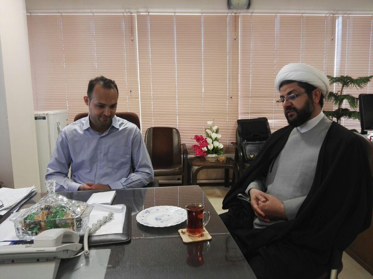حجت الاسلام هاشمی امام جمعه محترم شهر قهدریجان به اتفاق مهندس کریمی-معاون عمران روستایی و مهندس مک�
