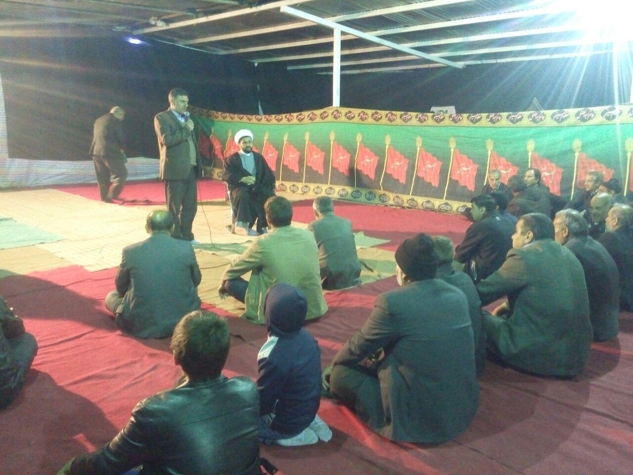 حضور و سخنرانی امام جمعه محترم شهر قهدریجان در مراسم دعای کمیل در خیمه کنار قبور شهدای گمنام
