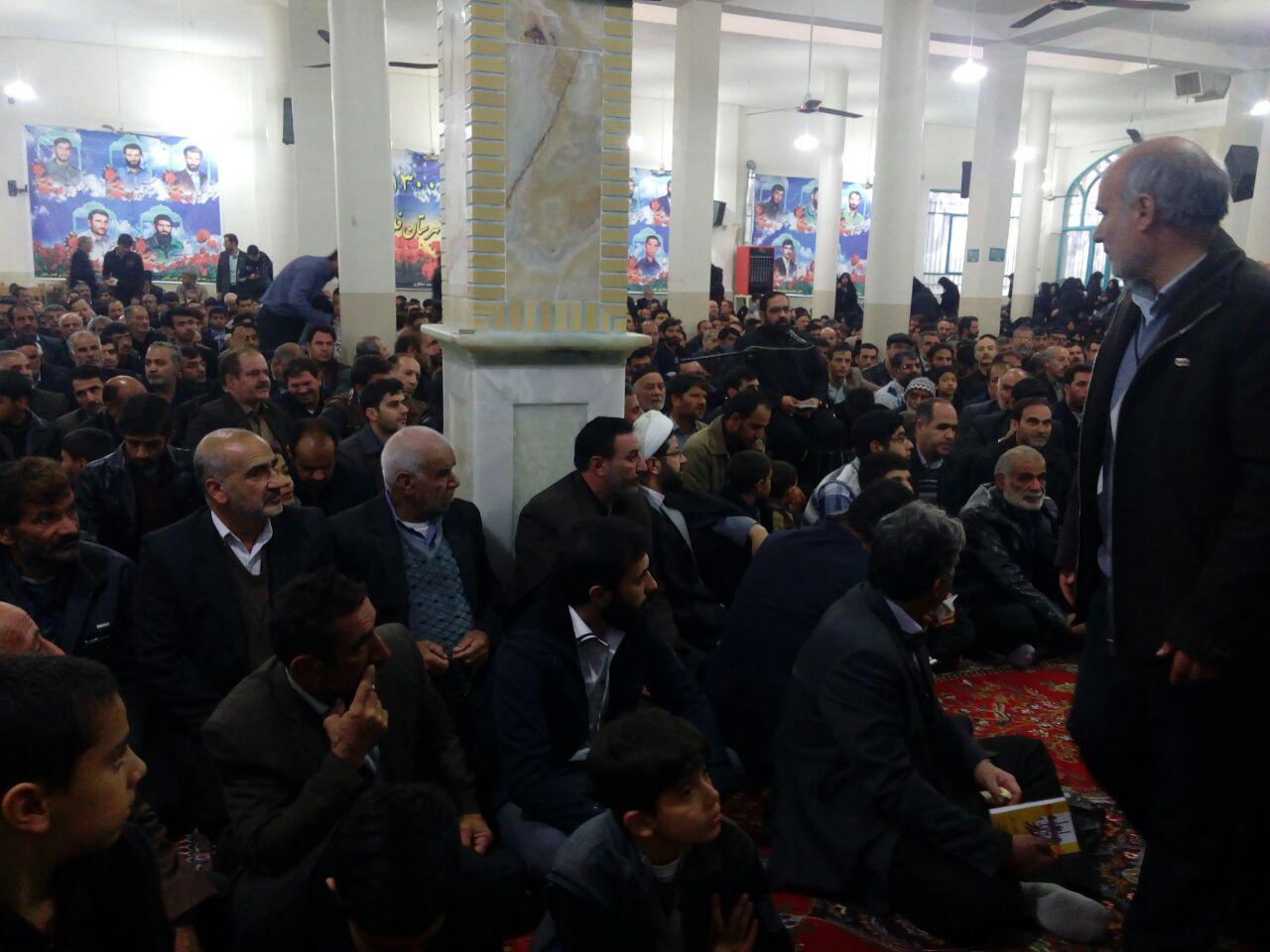 حضور و اقامه نماز صبح توسط امام جمعه محترم شهر قهدریجان در مراسم دعای ندبه