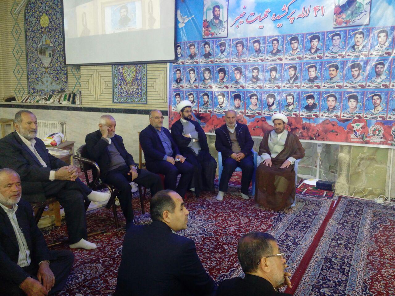 مراسم شهید ابروی محله یادبود شهید علی جعفری با حضور امام جمعه محترم شهر قهدریجان و فرماندار و بخشدا