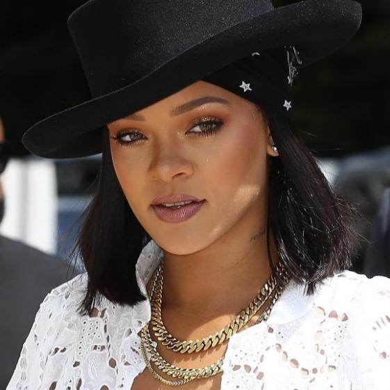 متن و ترجمه آهنگ Work از Rihanna به همراه Drake