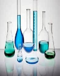 محلول سازي در آزمایشگاه شیمی