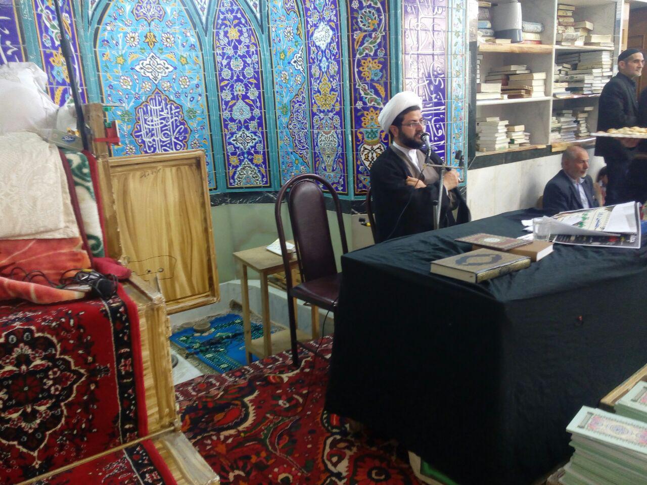 حضور و سخنرانی امام جمعه محترم شهر قهدریجان در مراسم حاجیه خانم صفاری در مسجد کاظمیه