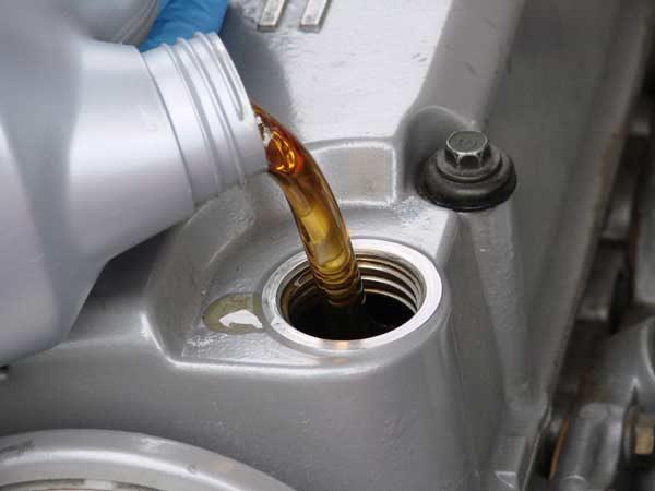 حل مشکل روغن ریزی و کم کردن روغن موتور