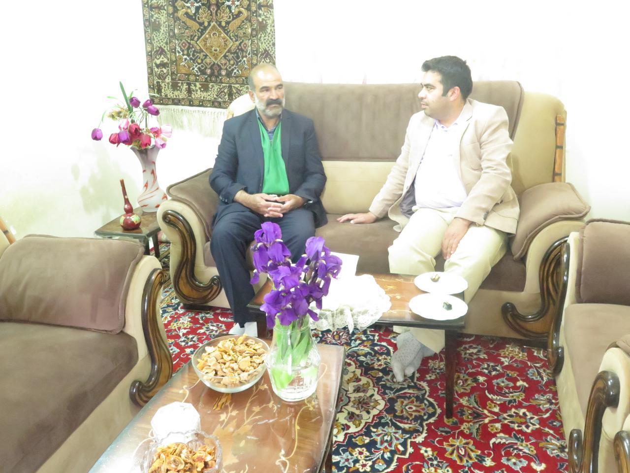 دیدار رئیس فرهنگ و ارشاد اسلامی زیرکوه با سید مهدی نبوی آبیز شاعر آیینی بخش شاسکوه