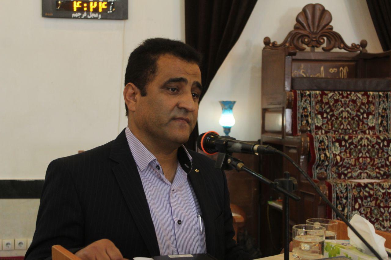 طي مراسمي: گشتاسپ کیانی به عنوان اولین شهردار شهر آبیز معرفی شد