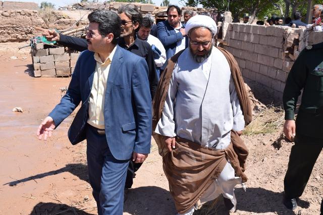 حضور مسئولان زیرکوه در روستای سیل زده چاه زرد