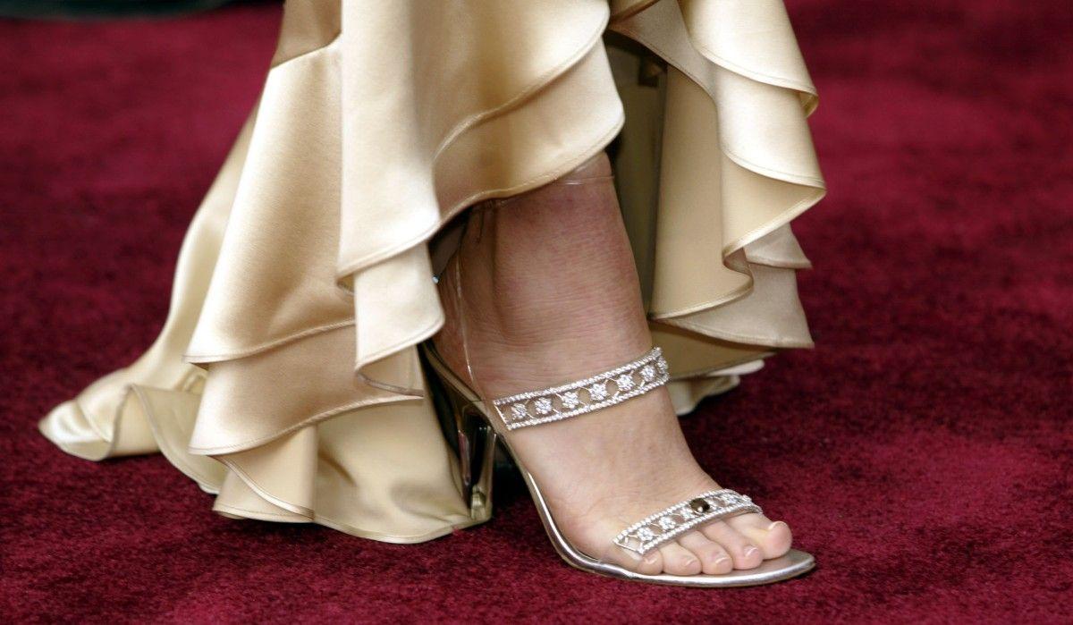 خودنمایی سلبریتی ها با کفشهایی از الماس