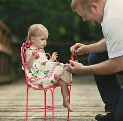 نقش پدر در تربیت دختر