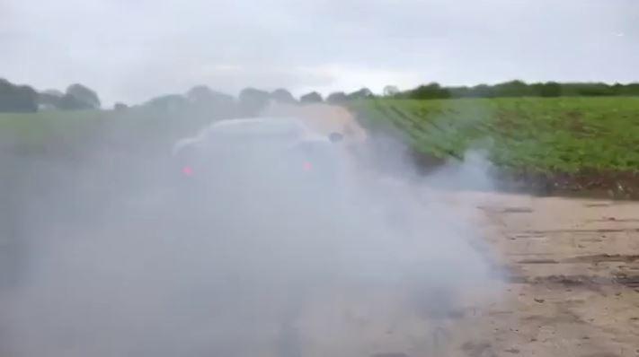 آتش سوزی در ماشین جگوار