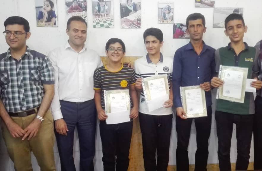 درخشش شطرنجبازان کازرونی در مسابقات استانی  و راهیابی به مسابقات کشوری