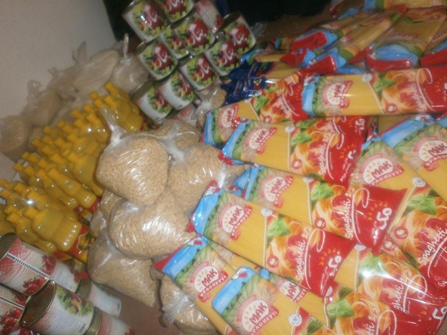 توزیع مواد غذایی