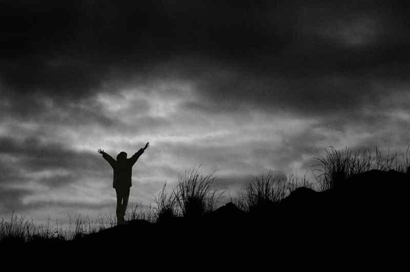 دانلود آهنگ آسمان هی آسمان تو بی وفایی از امید رحمتی