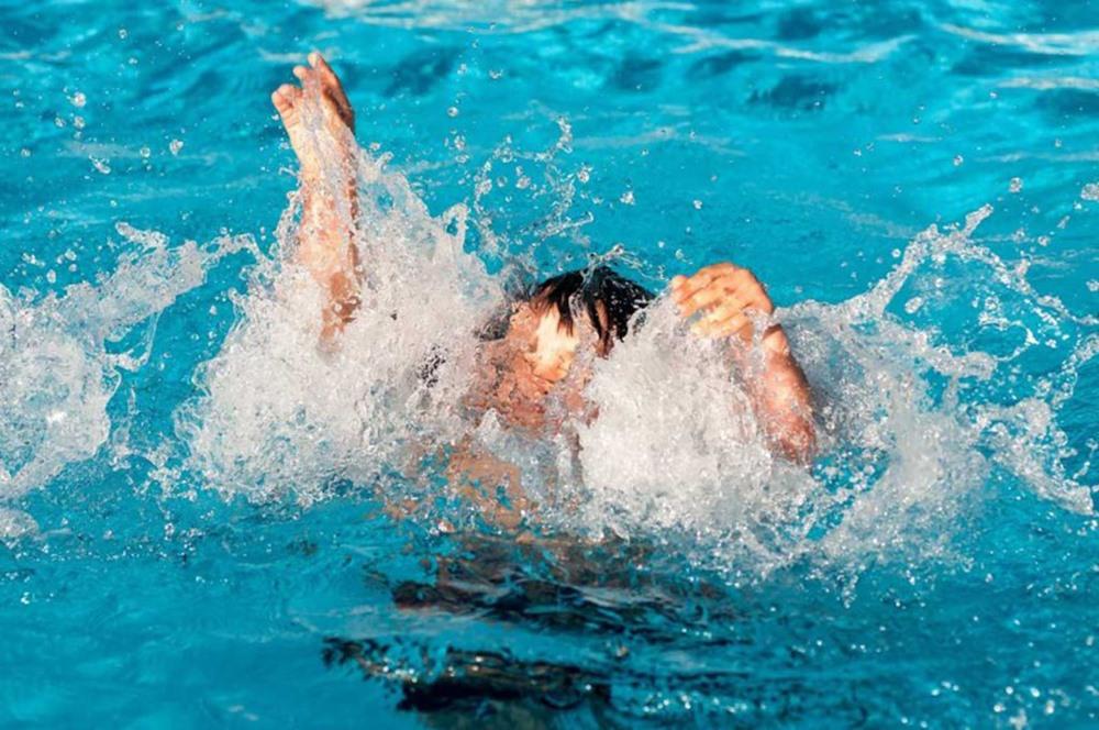 غرق شدن بچه