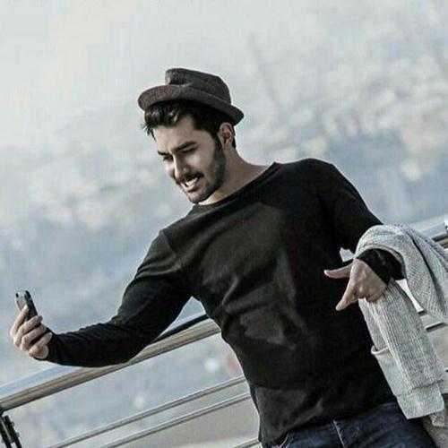 دانلود آهنگ هر جای شهرو میگردم از علی یاسینی